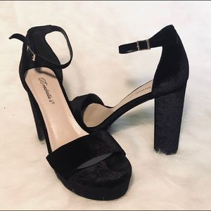 Breckelles BELLA-34 ankle strap platform heels